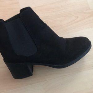 H & m booties black